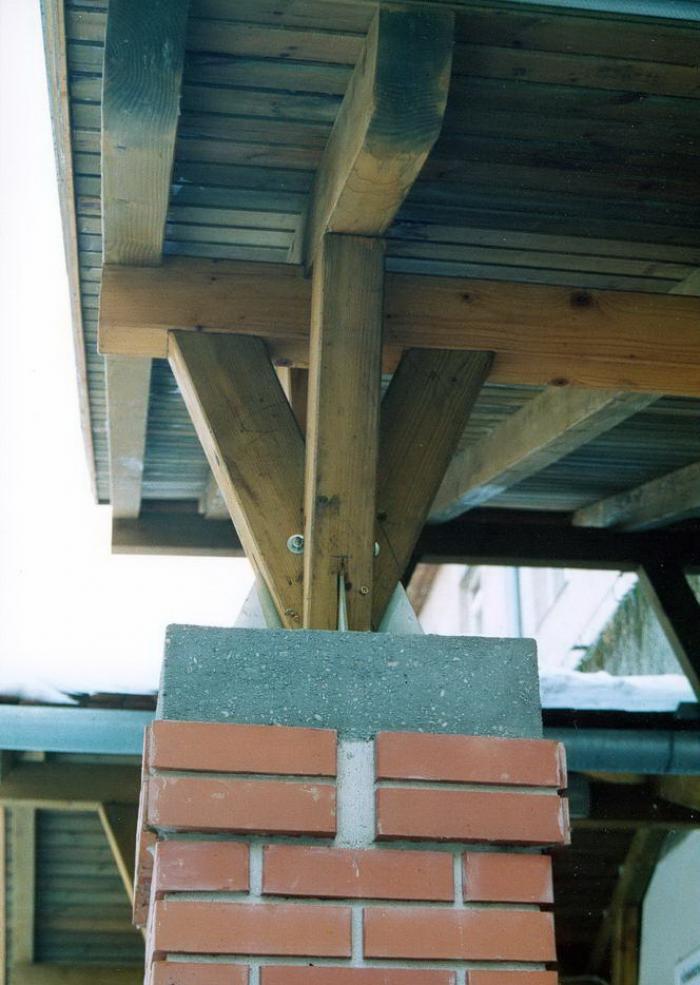 Bejárati előtető, pillér részlet